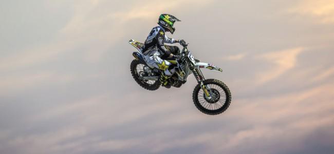 Husqvarna riders battle through Qatar