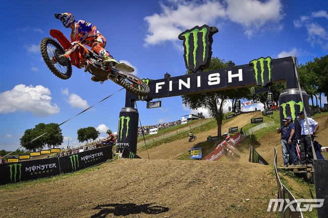 Herlings chases down Cairoli for another GP victory!