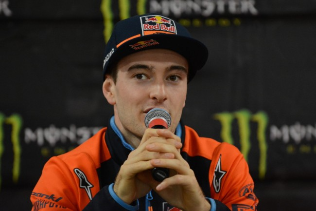 Video: Herlings and Bogers putting in the laps