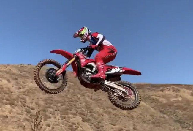 Video: Jett Lawrence on the supercross track