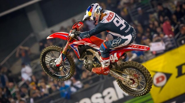 Roczen (and others) suffer burns from lime at San Diego!