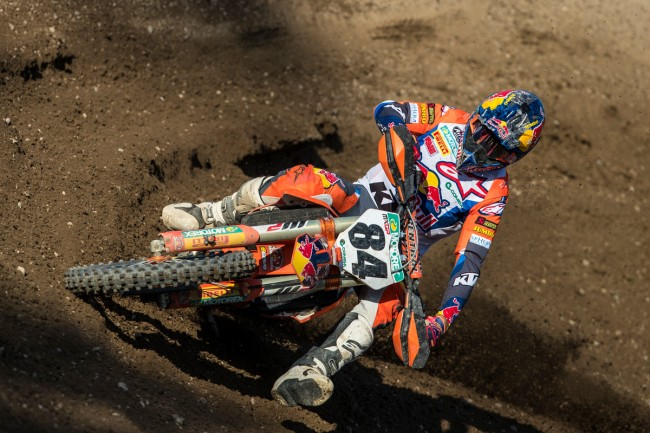 Herlings undergoes another operation