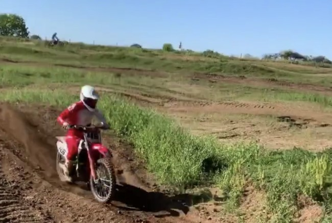 Video: Nicholls back on the bike!