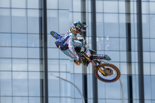 Too much pain for Watson as crash prevents moto win for Geerts
