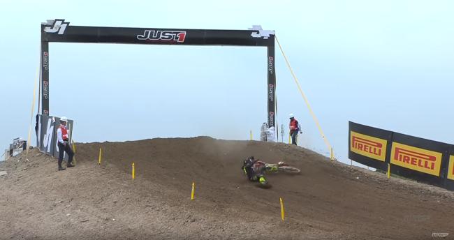 Video: Gajser crash during China qualifying race
