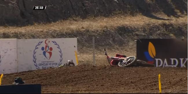 Video: Gajser first moto crash in Turkey