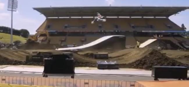 Video: Auckland supercross press day
