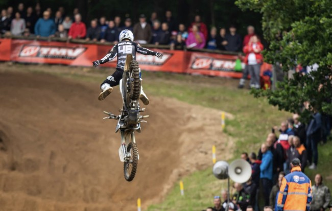 Video: Pootjes lucky to escape major injury after huge crash at Dutch Masters!