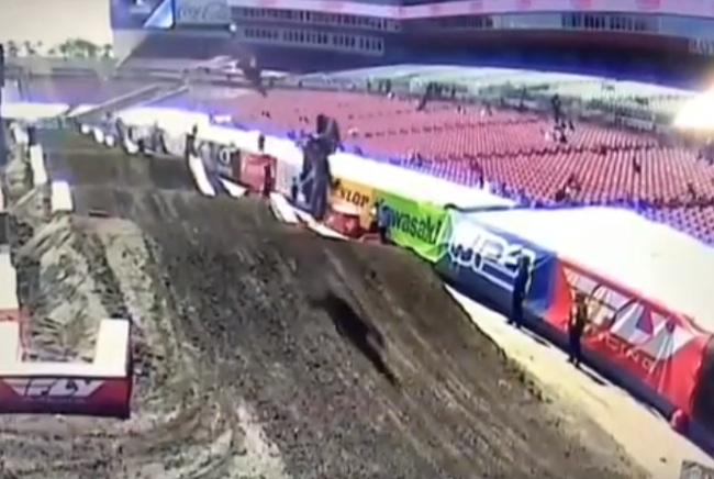 Video: Scary Justin Barcia crash – Tampa SX