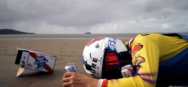 Video: Bizarre dirt bike action ft Ronnie Mac and Travis Pastrana