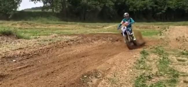 Arnaud Tonus rides a two-stroke!