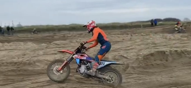 Sterry in action on the sand on the 450
