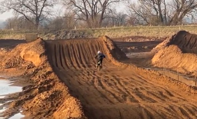Video: Wilson Todd Vlog – First day riding in England