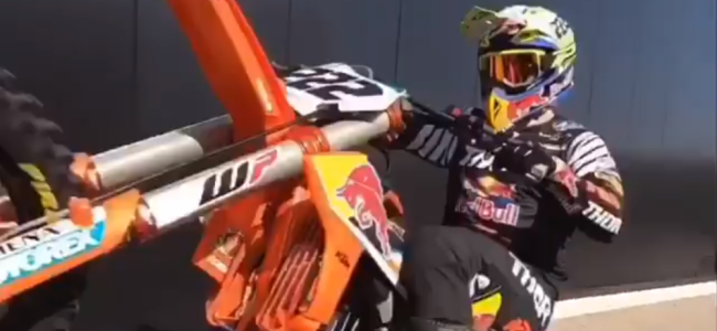 Video: Cairoli rides at the KTM workshop