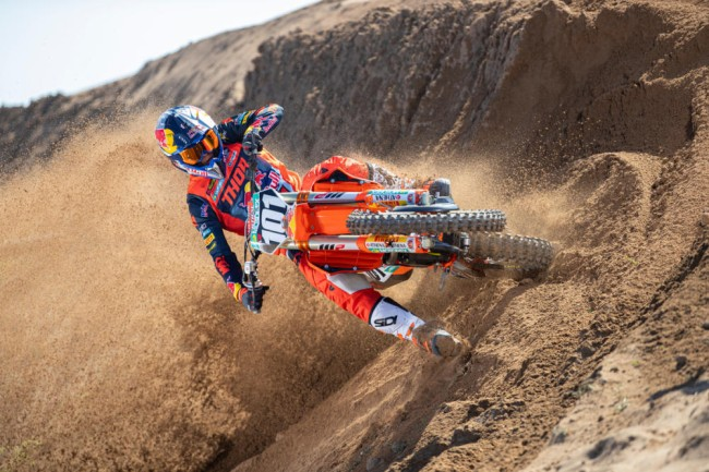 Interview: Mattia Guadagnini – MX2 rookie!