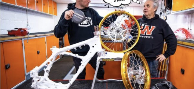 Video: Searle's 1996 CR250 project