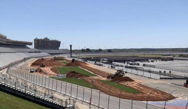 Video: Atlanta supercross – like Daytona?