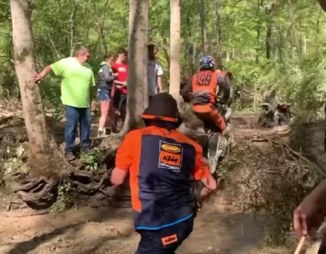 Video: Travis Pastrana – more crashes!