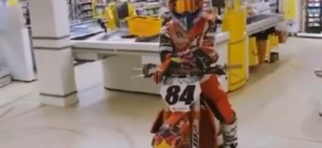 Video: Herlings goes up the aisle!
