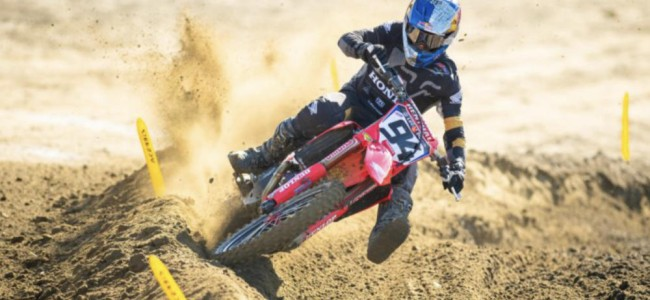 Roczen and the Lawrence brothers on Pala